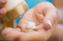 Cách chọn kem chống nắng cho da dầu