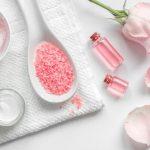 Nước hoa hồng có tác dụng gì? Cách sử dụng nước hoa hồng đúng cách